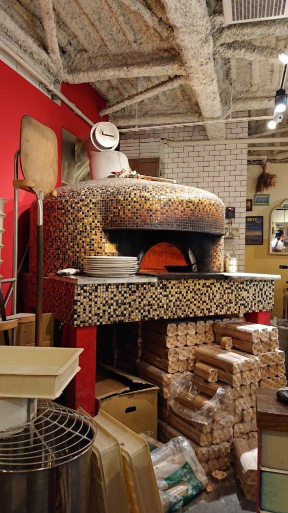 大阪のジャンニアクントのピザ釜 LA PIZZA D'ORO
