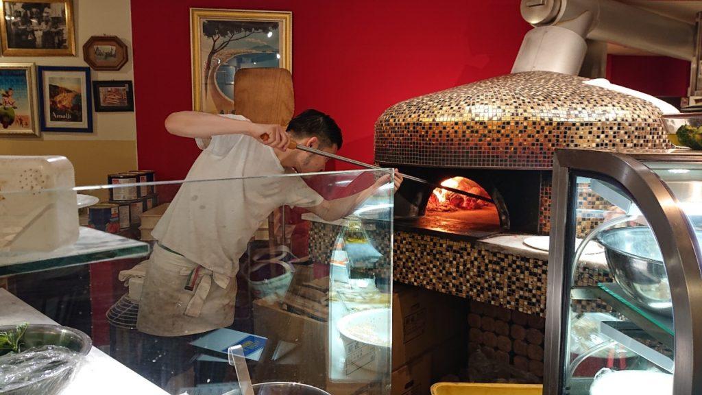 中崎町のピザ屋 ラピッツァドォーロ ( la pizza d'oro )のピザ釜