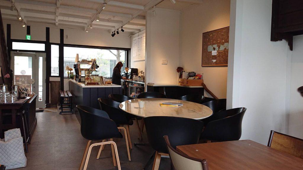 大阪北浜のエンバンクメントコーヒーの店内